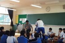 中学校への演劇アウトリーチ事業(h24)